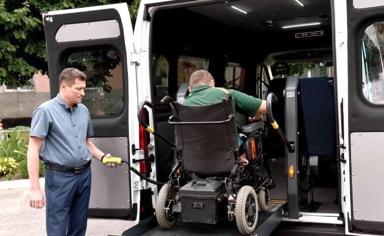 На Вінниччині з'явилось перше соціальне таксі для людей з інвалідністю (Фото)