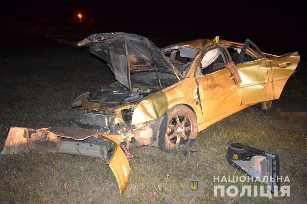 Біля Лукашівки Opel з молоддю злетів у кювет. Є постраждалі та загиблі (Фото)