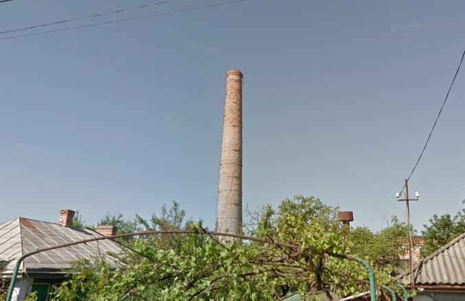 У Гайсині підірвали стару цегляну трубу (Фото)