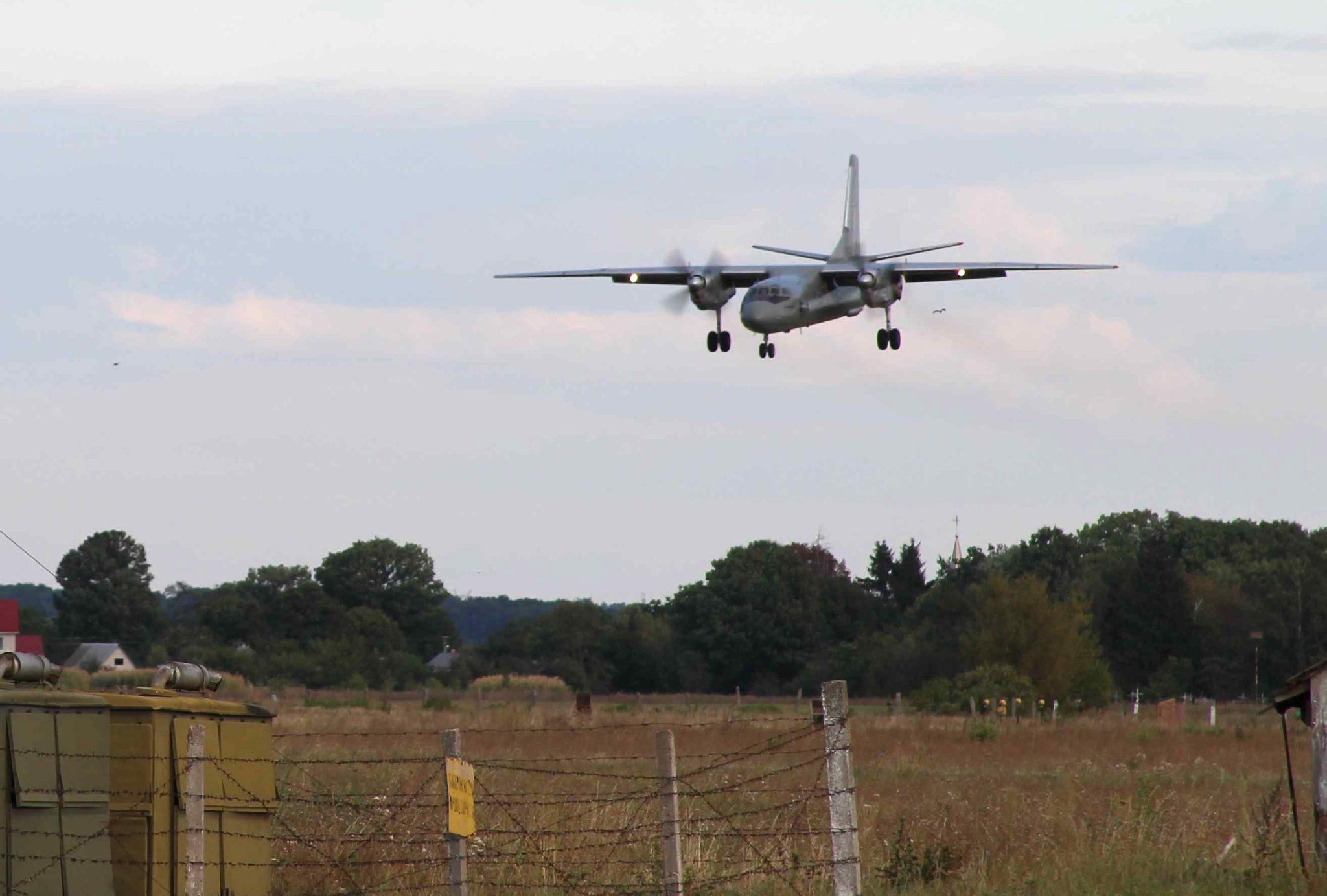 Над Вінницею частіше кружляють військові літаки. Стала відома причина (Фото)