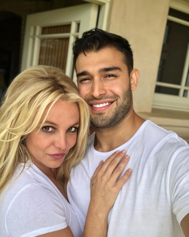 Теперь свободна: Бритни Спирс сходила на свидание с бойфрендом Сэмом Асгари