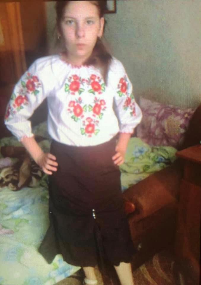 Пішла до школи і зникла: у Вінниці шукають 11-річну дівчинку (Фото)