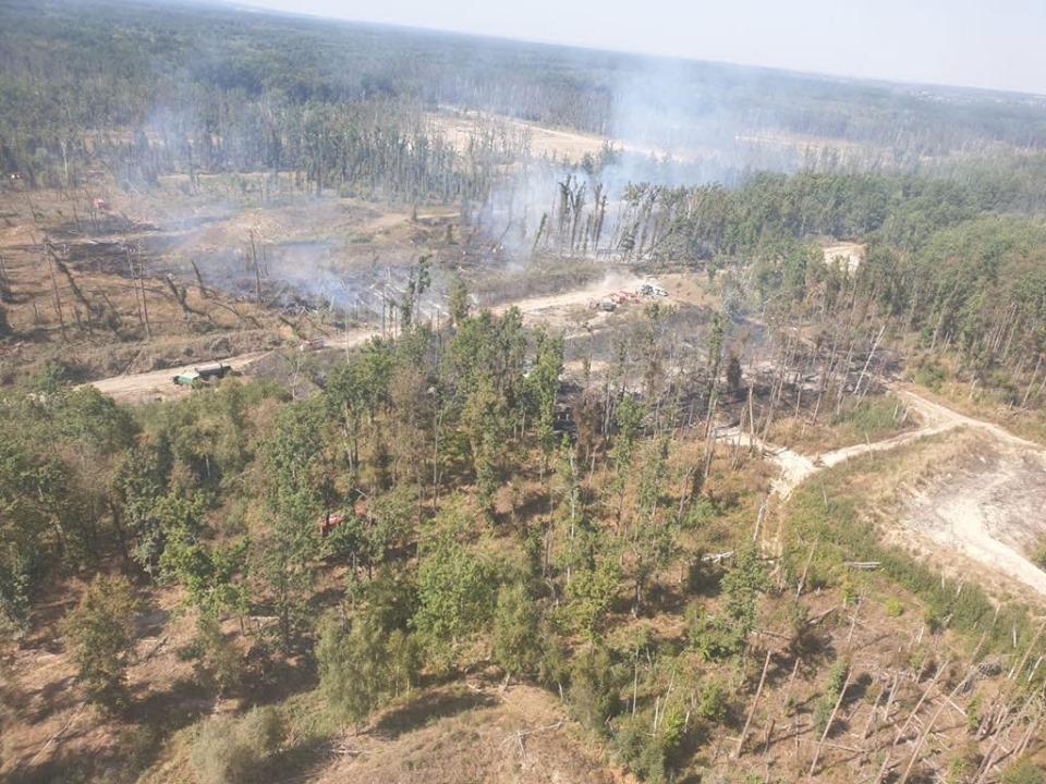 Пожежу на арсеналі в Калинівці зняли з вертольоту (Фото)