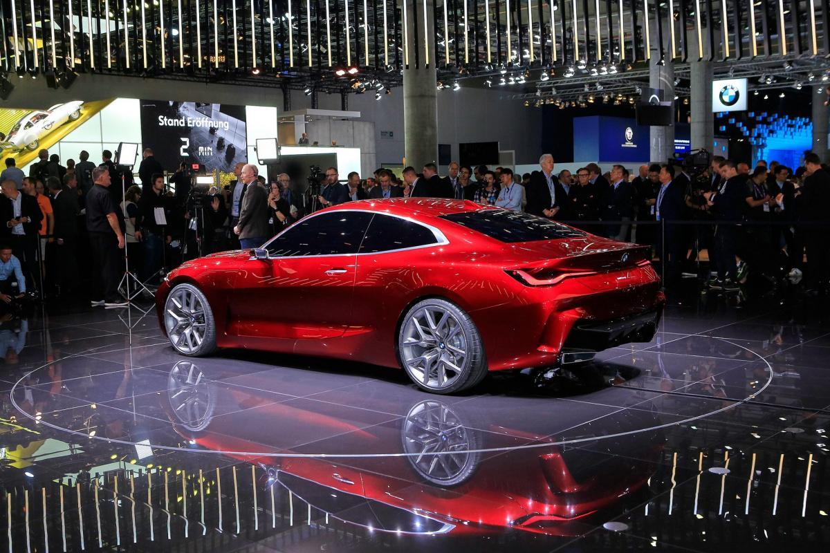 BMW показала эффектную модель с огромными ноздрями