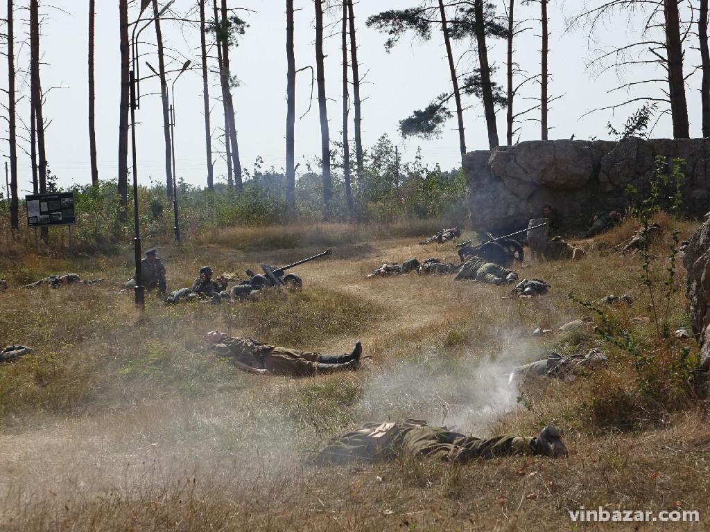 Останні дні війни: під Вінницею відтворили бій між німецькими військами та союзниками (Фото)