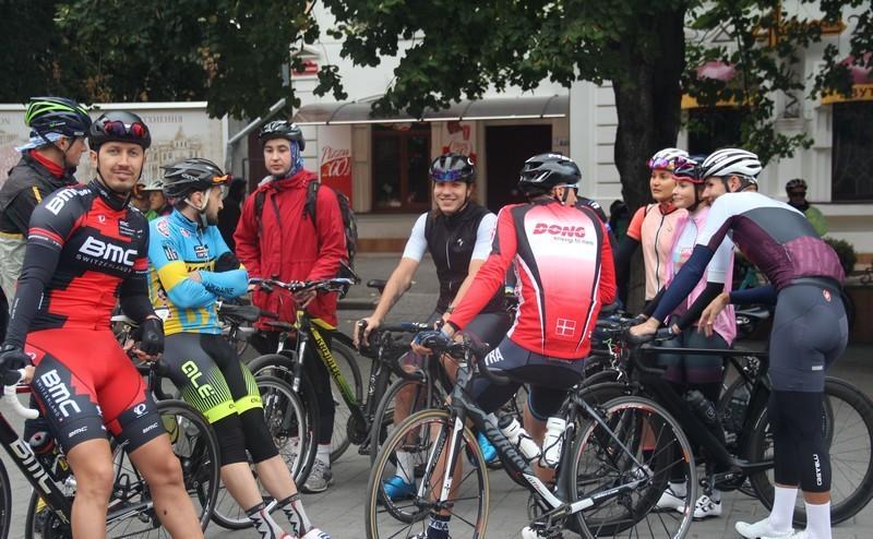 На Вінниччині відбувся веломарафон. Учасники проїхали 100 кілометрів (Фото)