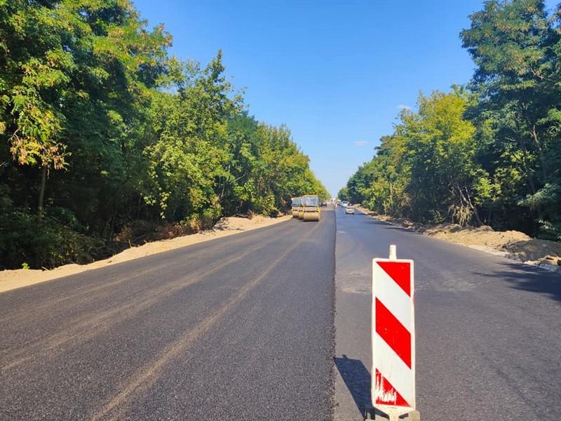 Триває ремонт дороги, яка зв'язує Могилів-Подільський та Вінницю (Фото)