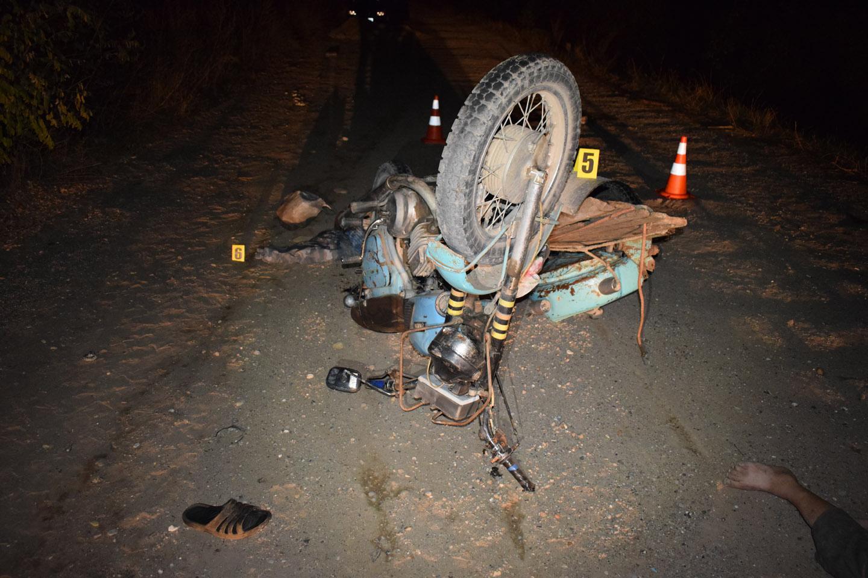 У Ямпільському районі розбилися водій та пасажир мотоциклу (Фото)