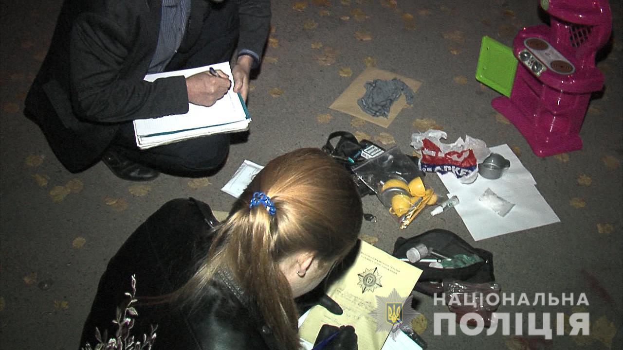У Вінниці СБУ та бійці КОРДу затримали злочинців, які пересилали наркотики у дитячих іграшках (Фото)