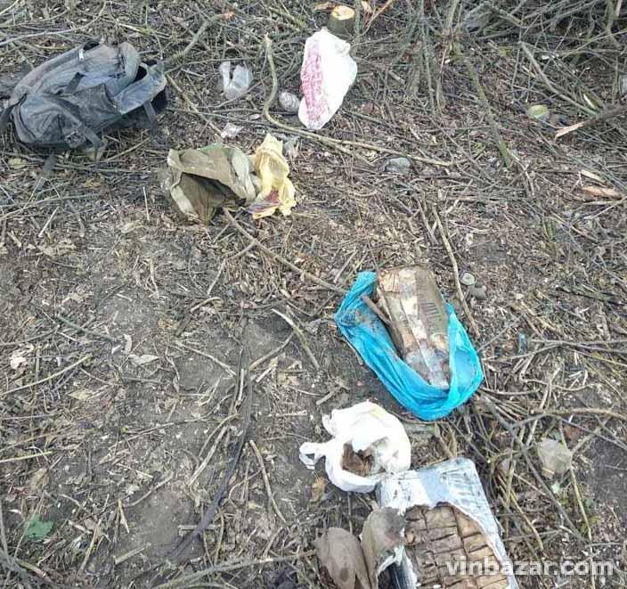 У Липовецькому районі виявили рюкзак з міною, гранатами та набоями (Фото)