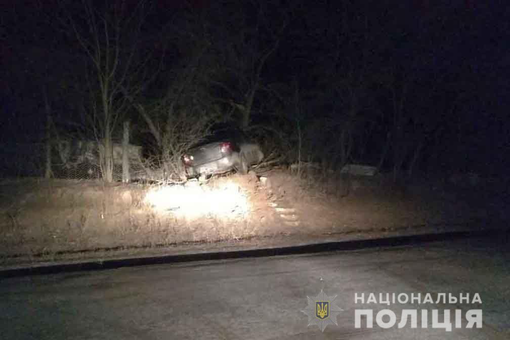 """Смертельна ДТП у Барському районі: 14-річний водій """"Лади"""" зіткнувся з деревом (Фото)"""