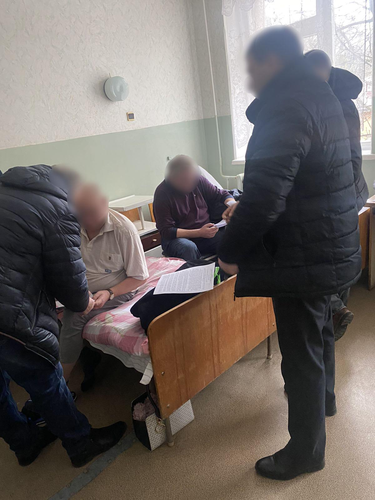 На Вінниччині затримали адвоката, який намагався передати хабар (Фото)