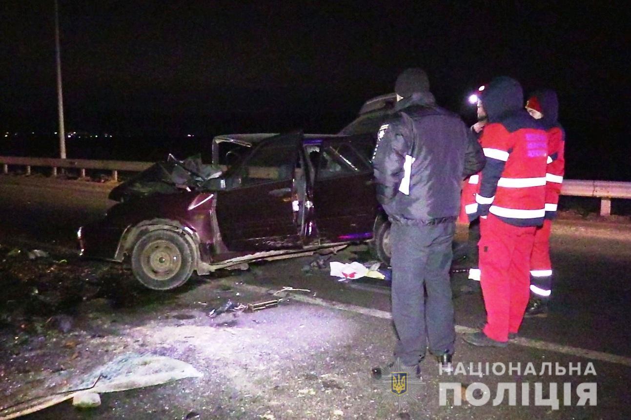 Смертельна ДТП біля Вінниці: на об'їзній зіткнулися два легковики (Фото+Відео)
