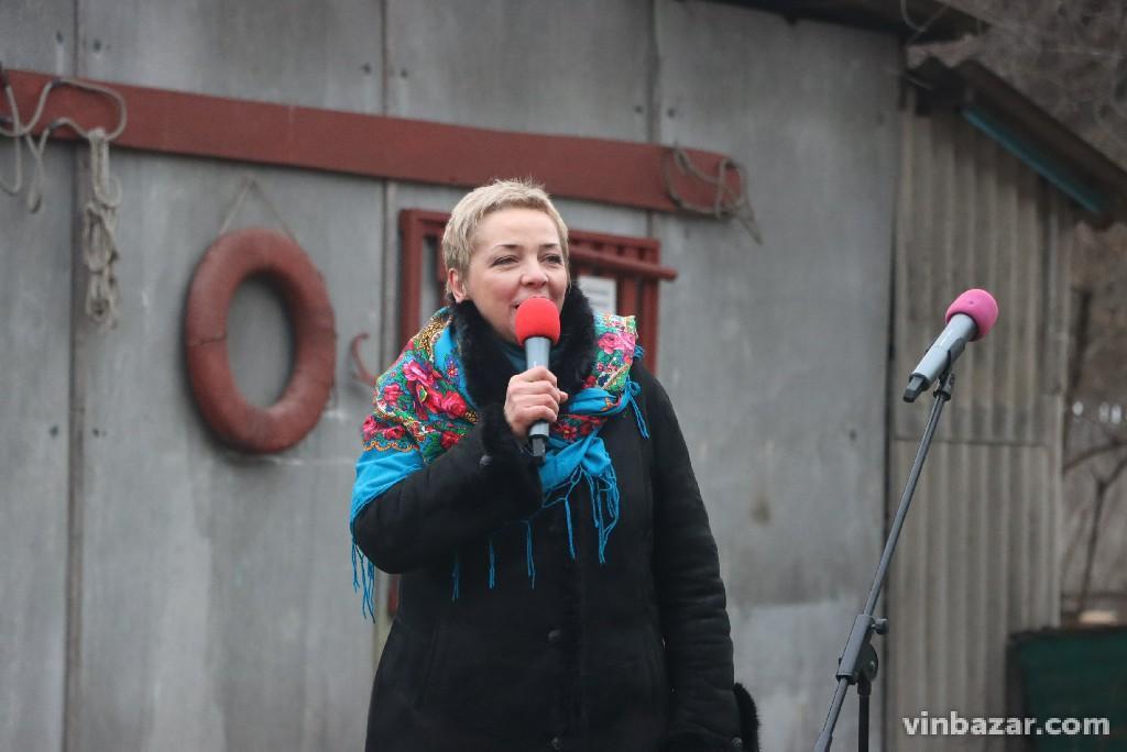 Купання без снігу, але з піснями та іграми. Як у Вінниці відзначали Водохреща 2020 (Фото)