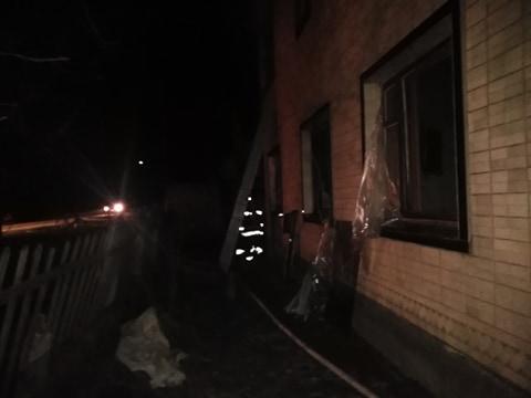 У Тиврівському районі горіли два приватних будинки (Фото)