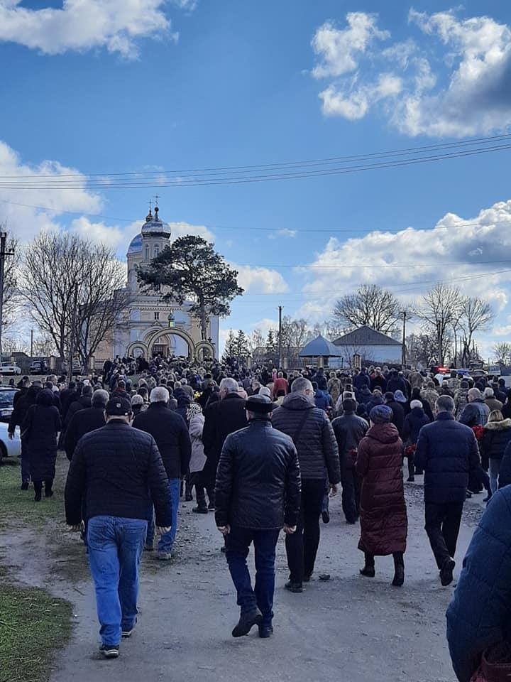 На Вінниччині попрощалися з бійцем-розвідником, який загинув на Донбасі (Фото)