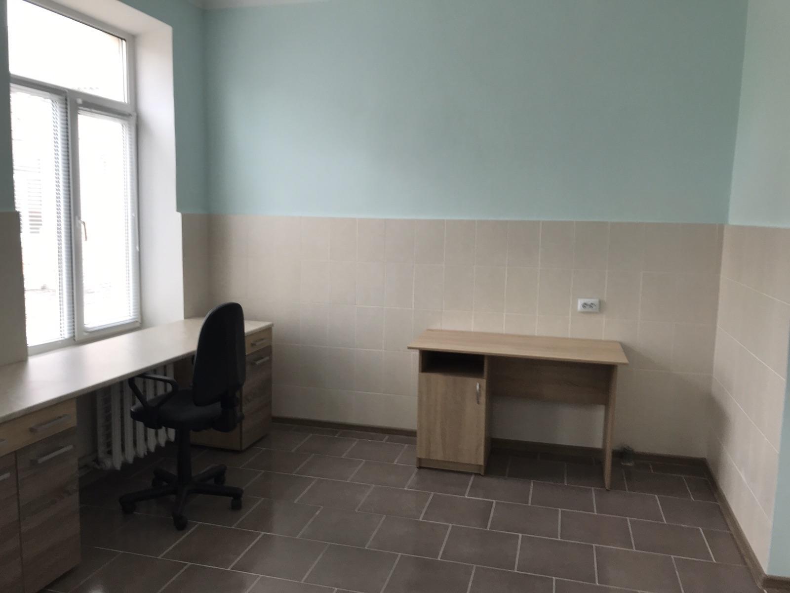 У Калинівці екстрено будують інфекційне відділення (Фото)