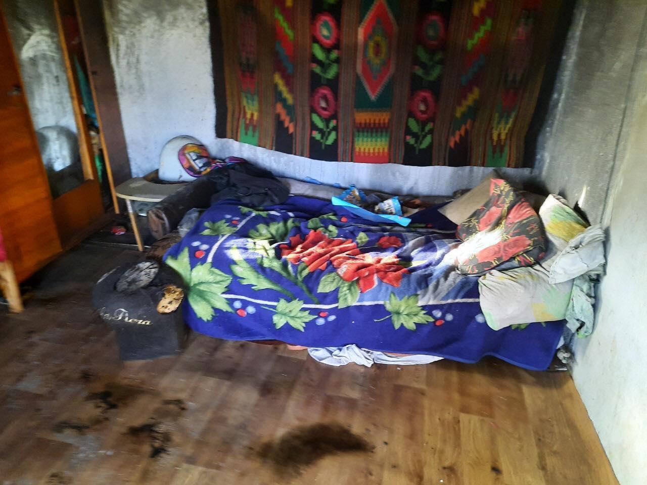 На Вінниччині горів приватний будинок багатодітної родини (Фото)