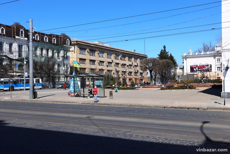 На вулицях Вінниці непомітні зміни після введення нових заборон (Фото)