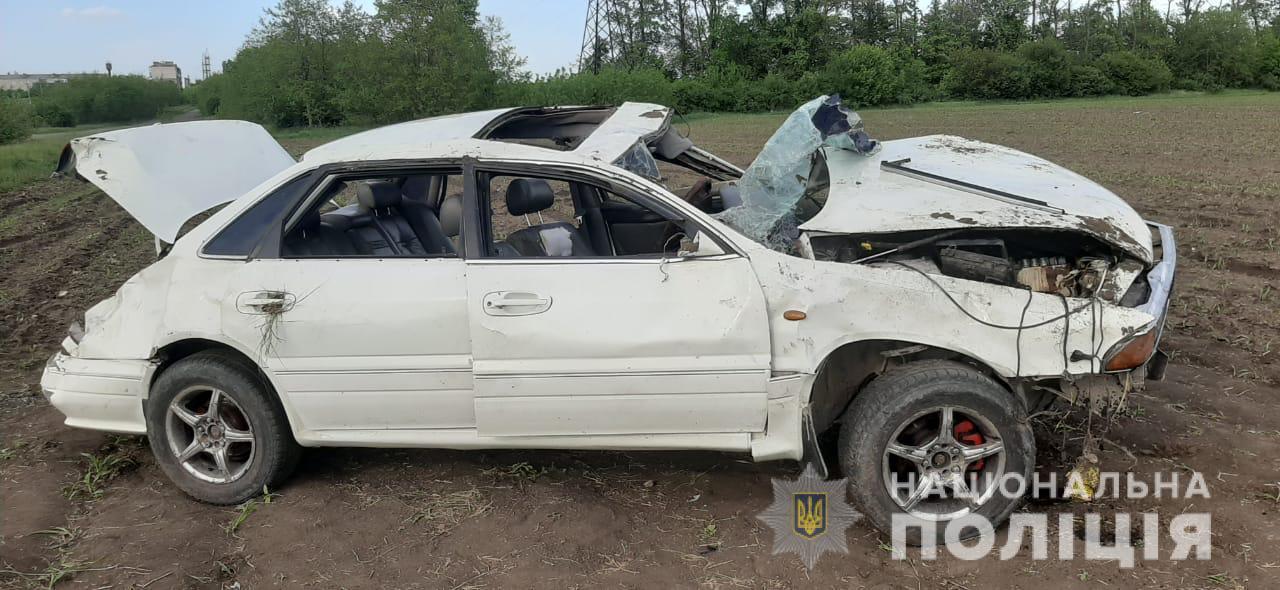 У Піщанському районі Mitsubishi злетів з дороги. Загинув 47-річний чоловік (Фото)