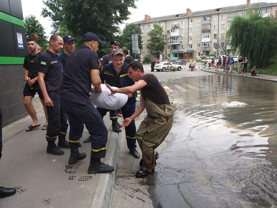 У Ямполі людям рекомендують запасатися водою та готуватися до евакуації (Фото)