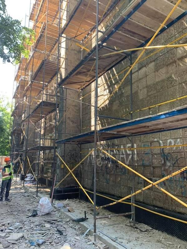 Киевлянам показали, как ремонтируют кинотеатр «Краков»