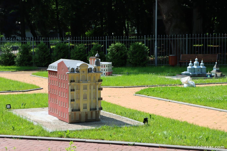 У Центральний парк повернули композицію міні-Вінниця. Її поповнять 4 нові мініатюри (Фото)