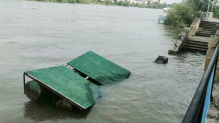 Велика вода відступає: у Ямполі та Могилеві-Подільському знижується рівень підтоплень (Фото)