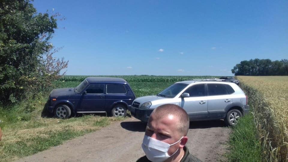 У Ямпільському районі два господарства не поділили врожай. У конфлікт втрутилася поліція (Фото)