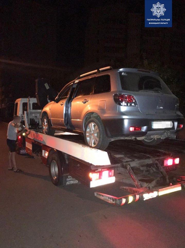 На Немирівському шосе зупинили водія напідпитку. Драгер показав перевищення норми в 13 разів (Фото)