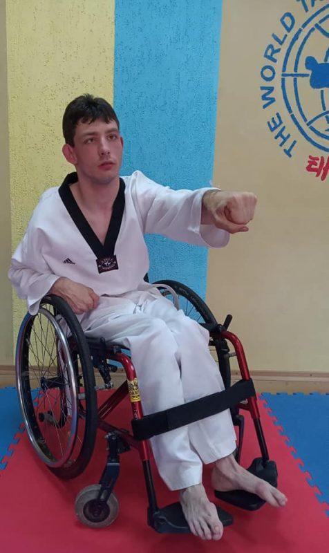 Паралімпійці з Ладижина здобули 8 медалей на змаганнях у Великій Британії (Фото)