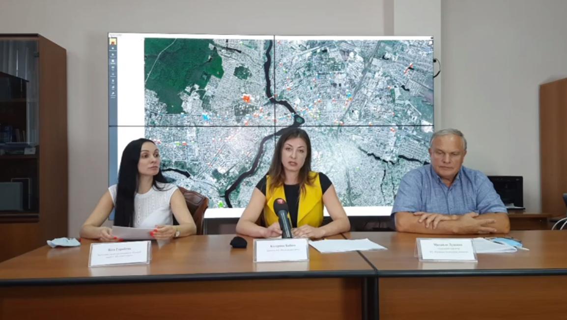 З 1 вересня весь транспорт Вінниці переведуть на безконтактну оплату проїзду