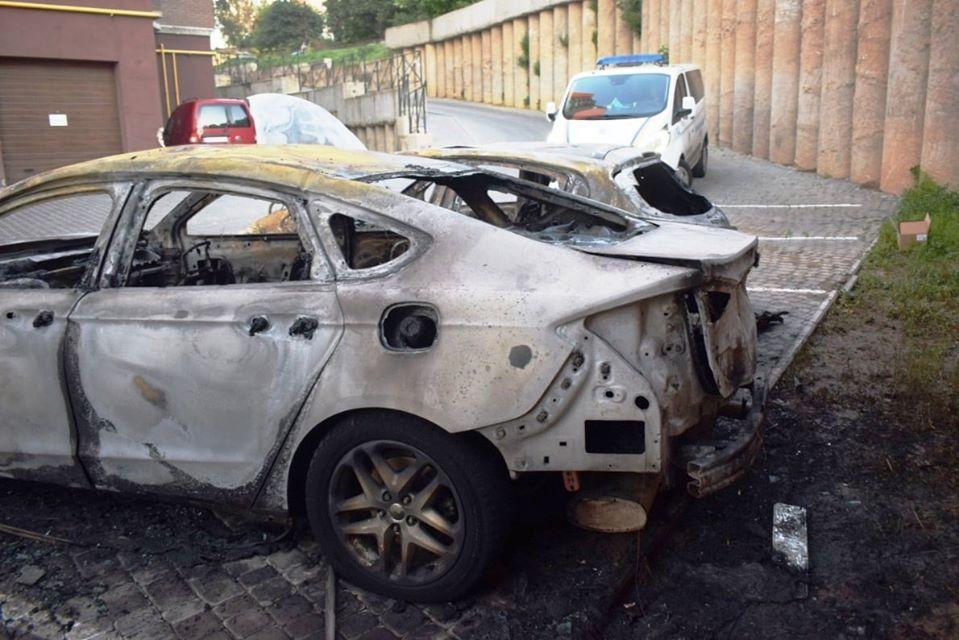 На Коріатовичів серед ночі згоріло два авто (Фото)