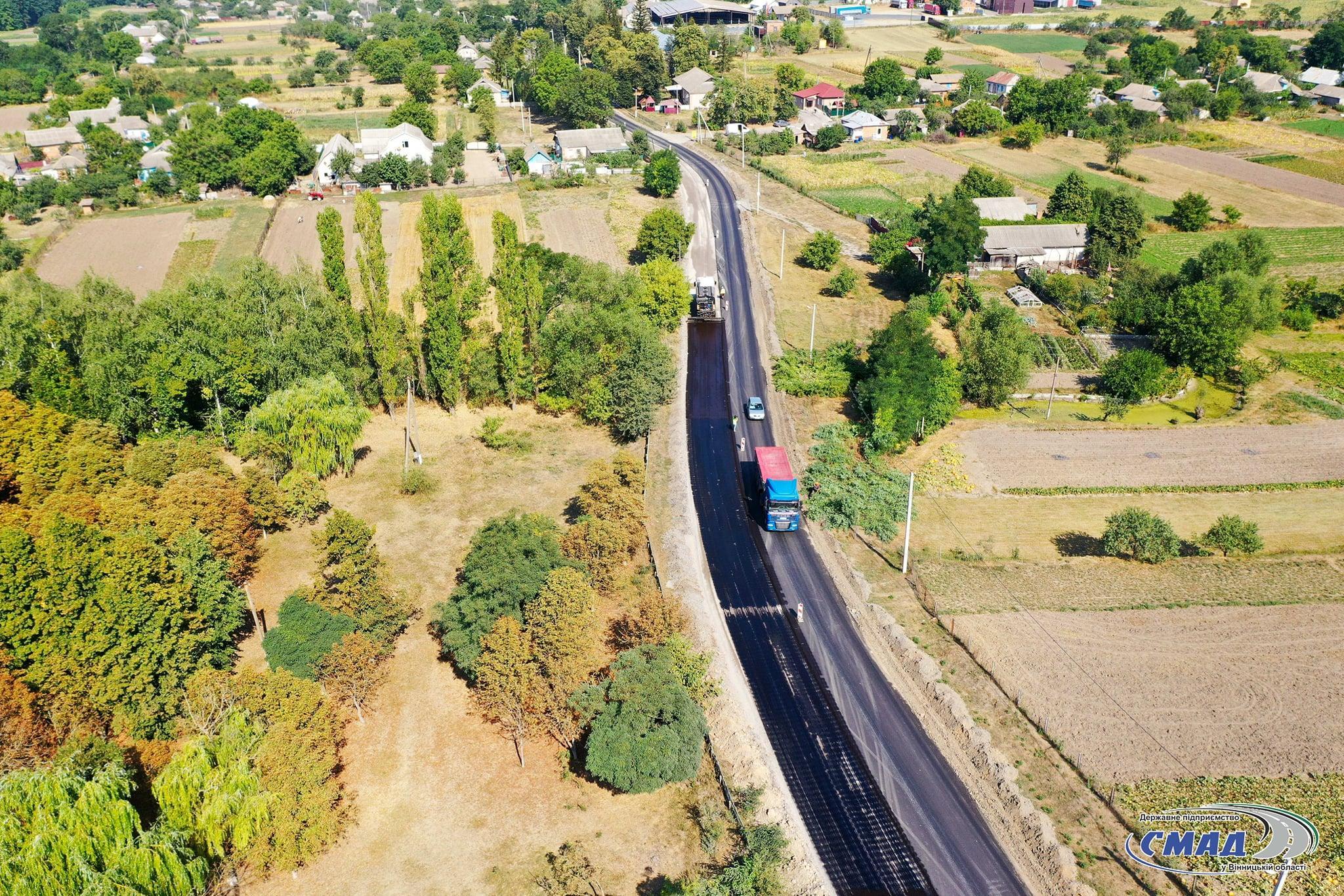 На Вінниччині ремонтують місцеву дорогу, що сполучає Гайсин та Теплик (Фото)