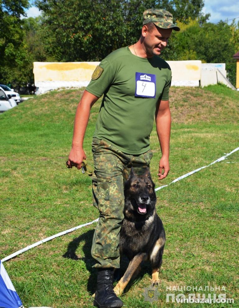 Кінолог з Вінниці разом з службовим псом Деномвибороли приз на Всеукраїнському чемпіонаті (Фото)