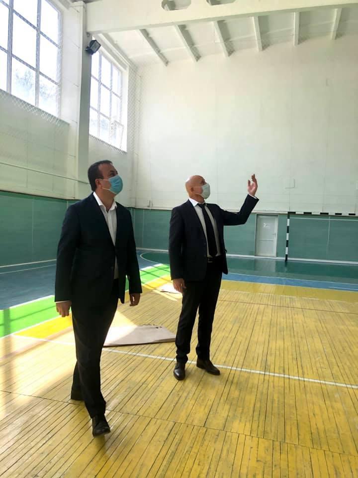 У Немирові завершують реконструкцію спорткомплексу (Фото)