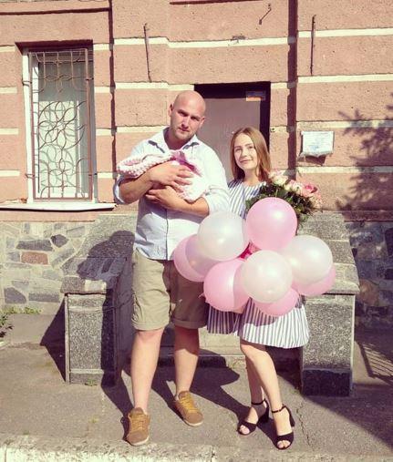 У День Вінниці 2020 народилося 9 малюків. Родини отримали в подарунок візочки (Фото)