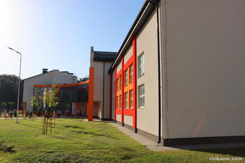 У новозбудованій школі-гімназії на