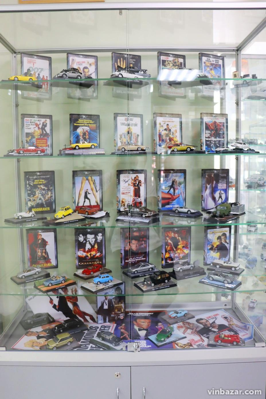 У Вінниці представили колекцію моделей автомобілів Джеймса Бонда (Фото)