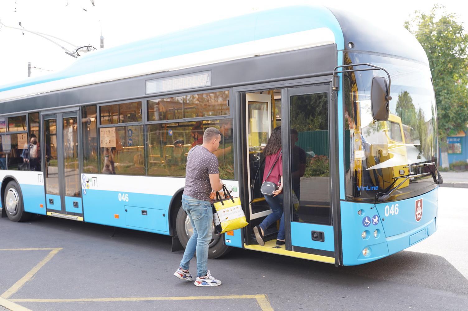 """У Вінниці тестують тролейбус """"VinLine"""" з автономним ходом (Фото)"""