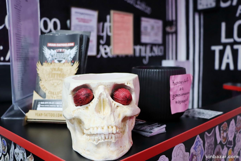 """Татуювання у Вінниці: що """"набивають"""", яка ціна та, чому малюнки на інтимних місцях більше не дивина (Фото)"""