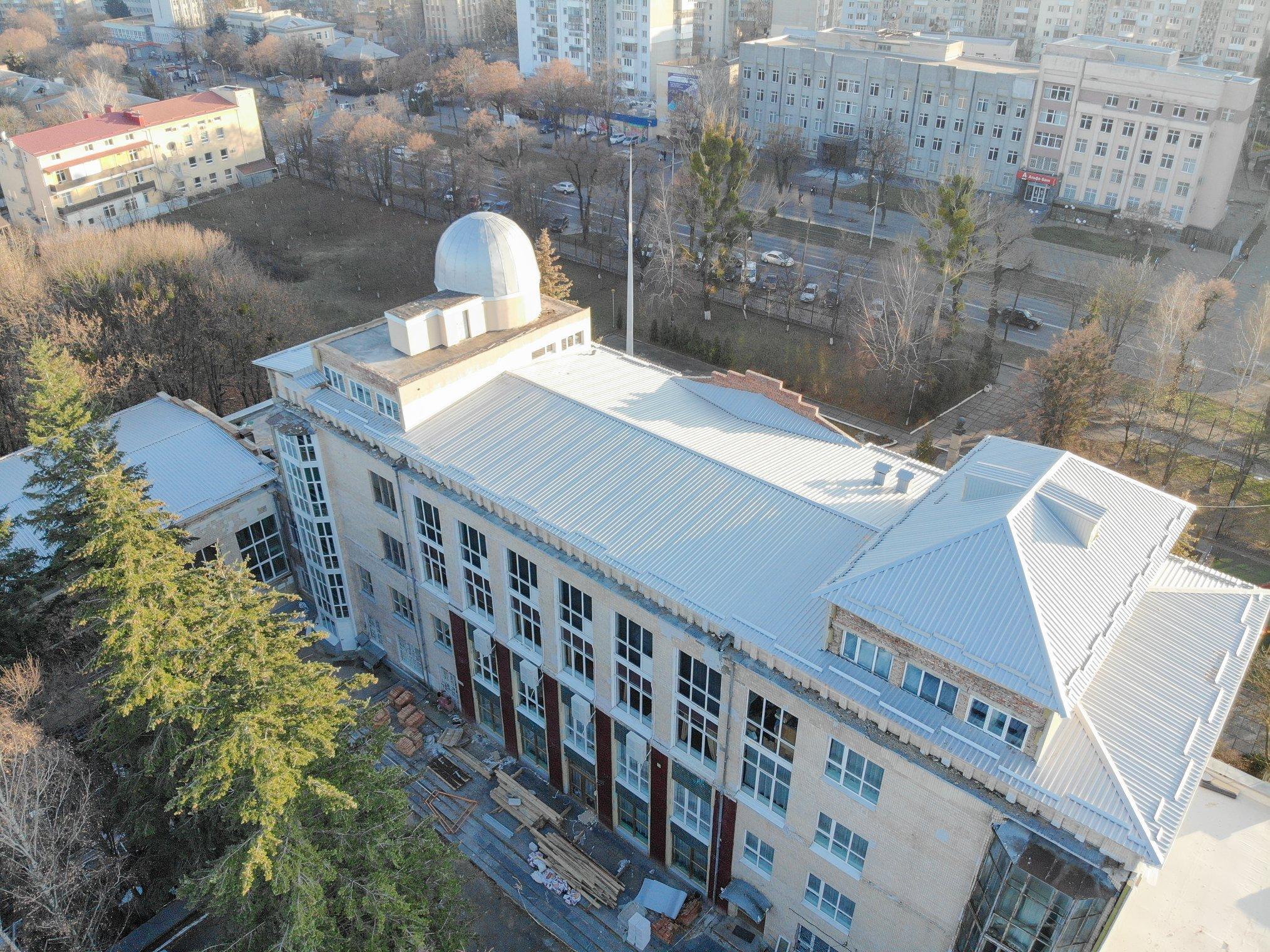 У Вінницькому палаці дітей та юнацтва відремонтували дах та утеплили горище (Фото)