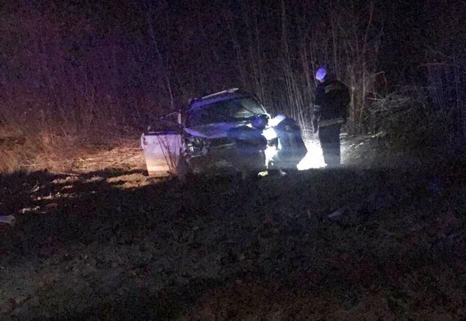 На Вінниччині з дороги злетів позашляховик. Серед постраждалих 2-річна дитина (Фото)