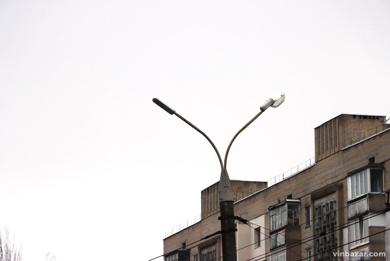 На Келецькій замінюють світильники ліхтарі. Вулицю освітлять LED-лампами (Фото)