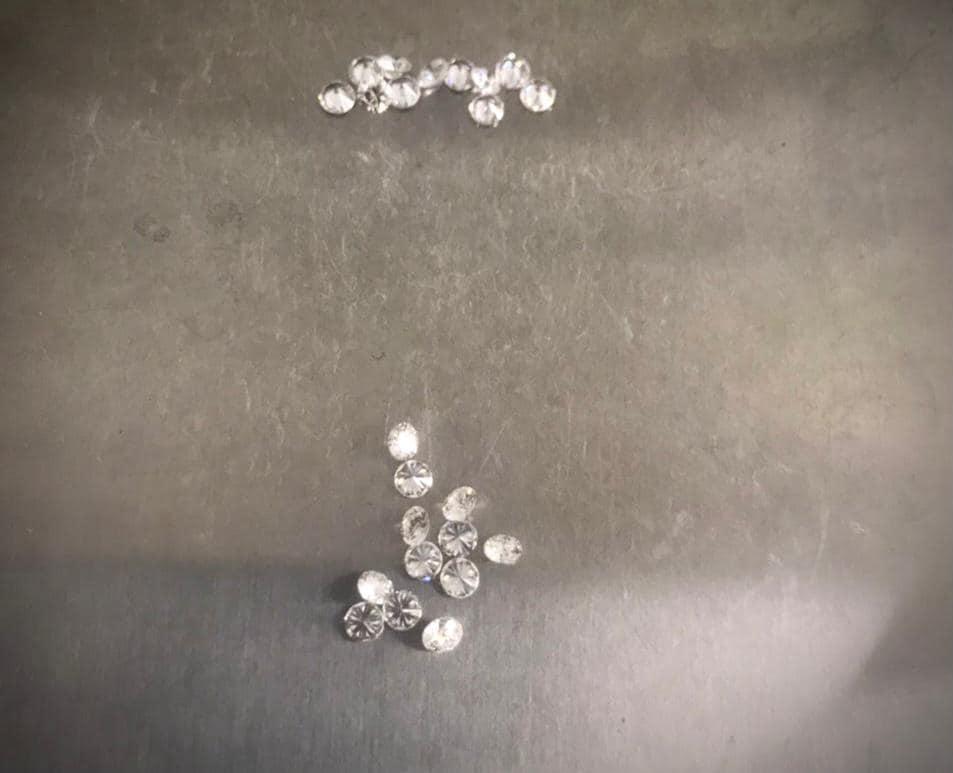На митниці виявили діаманти, які прямували з Індії на Вінниччину (Фото)