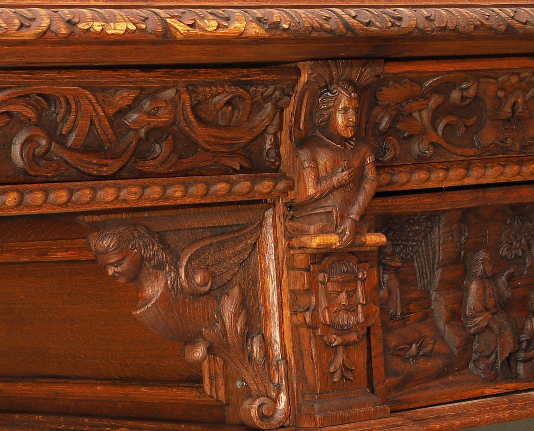 До Вінниці після реставрації повертають стіл Петлюри. Як рятували унікальний експонат? (Фото)
