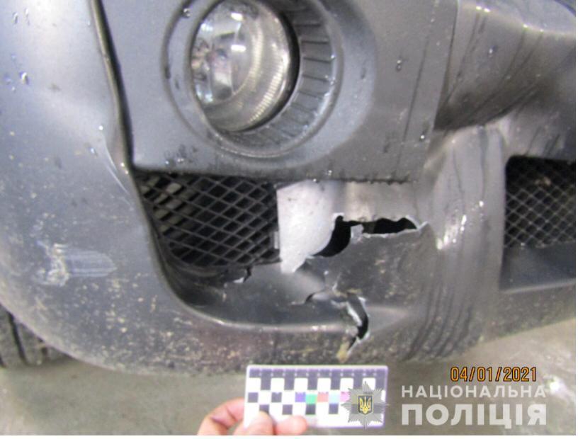У Вінниці працівник автомийки потрапив у ДТП на позашляховику клієнтки