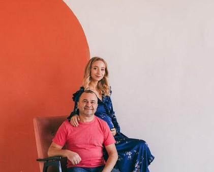 Народний артист Віктор Павлік та його 25-річна дружина стануть батьками