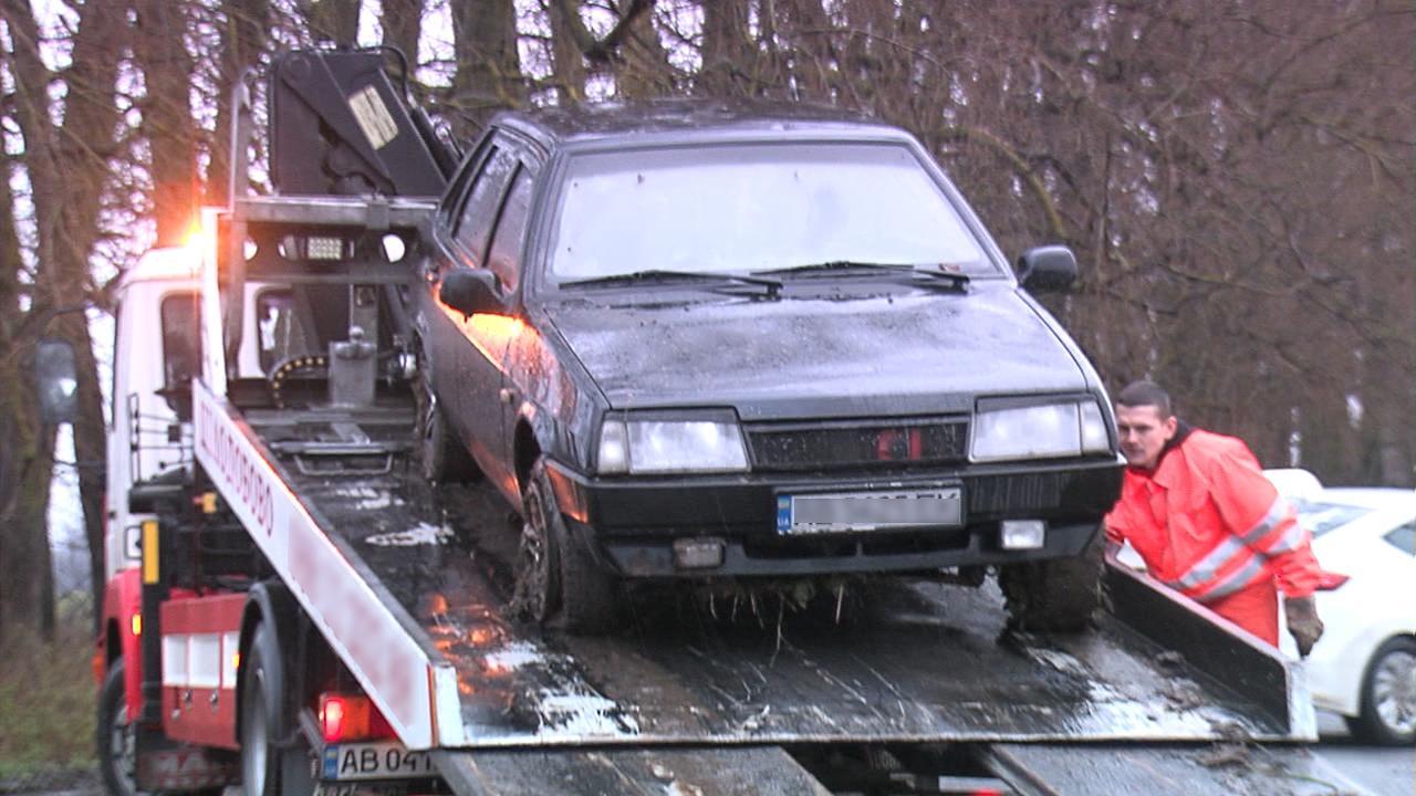 Біля Вінниці затримали чоловіка, який намагався втекти на викраденому авто (Фото)
