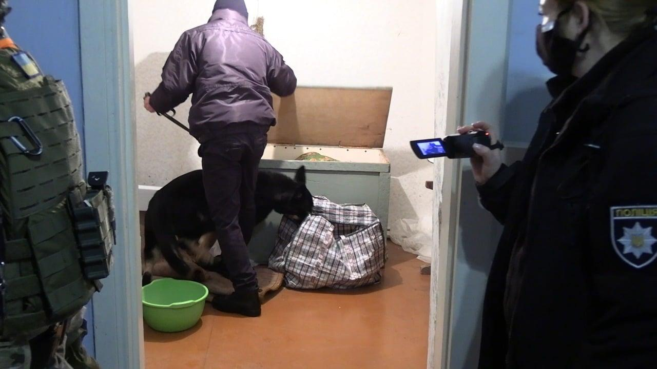 У Вінниці затримали розбійника, який увірвався до будинку 21-річної дівчини (Фото)